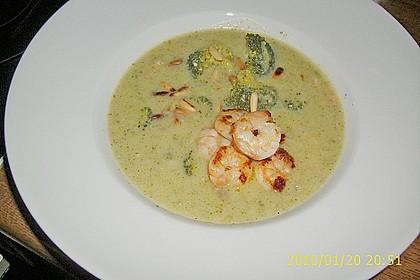 Broccolicremesuppe mit  Räucherlachs 1