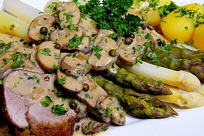 Spargel mit Schweinefilet und Pilzsoße 1