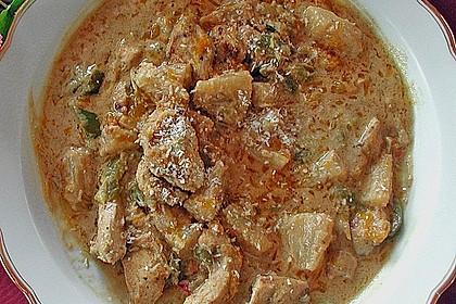 Hühnerfilet in Erdnuss-Kokos-Sauce