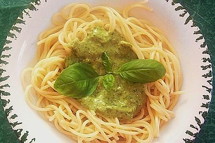 Basilikum-Pesto 3