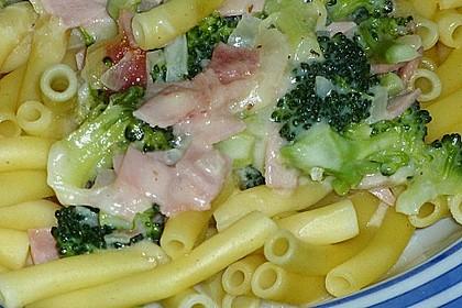 Makkaroni in Broccoli-Schinken-Soße 4