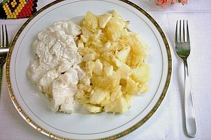 Kartoffelsalat mit Apfel und Sellerie
