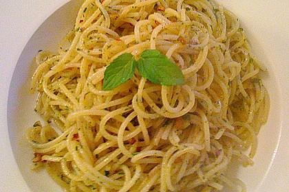 Spaghetti aglio olio 7