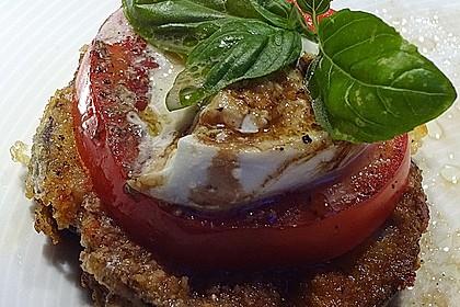Auberginen-Scheiben mit Mozzarella