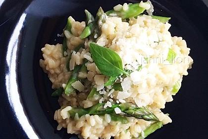Risotto mit grünem Spargel und Parmesan 37