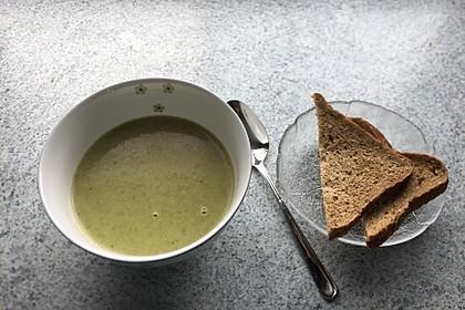 Brokkoli-Cremesuppe 16