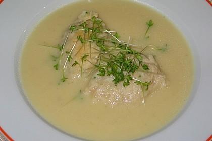 Kohlrabicremesuppe mit Schinkennockerl und Kresse 2
