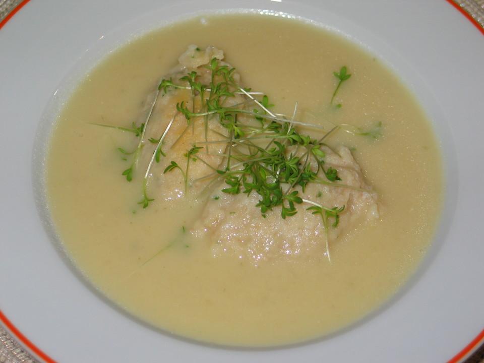 Kohlrabicremesuppe mit Schinkennockerl und Kresse