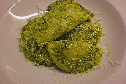 Räucherlachs - Tascherl mit Rucola - Pesto