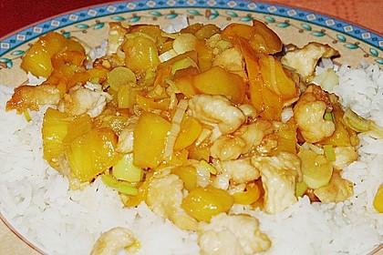 Hähnchen mit Ananas und süß - saurer Soße 4