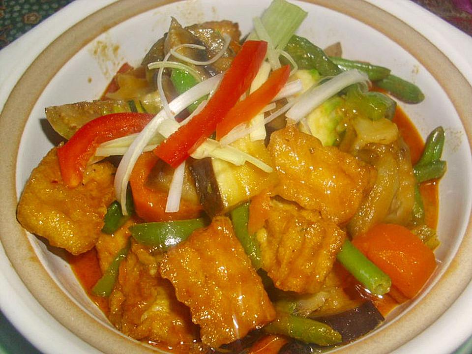 rotes thai curry mit h hnchen und gem se rezept mit bild. Black Bedroom Furniture Sets. Home Design Ideas