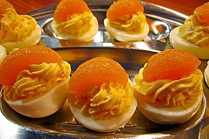 Gefüllte Eier mit Orangencreme