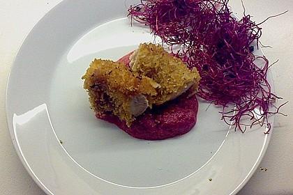 Knuspriges Kaninchenfilet auf Rote Bete - Püree und Schwarzwurzel - Salat 2