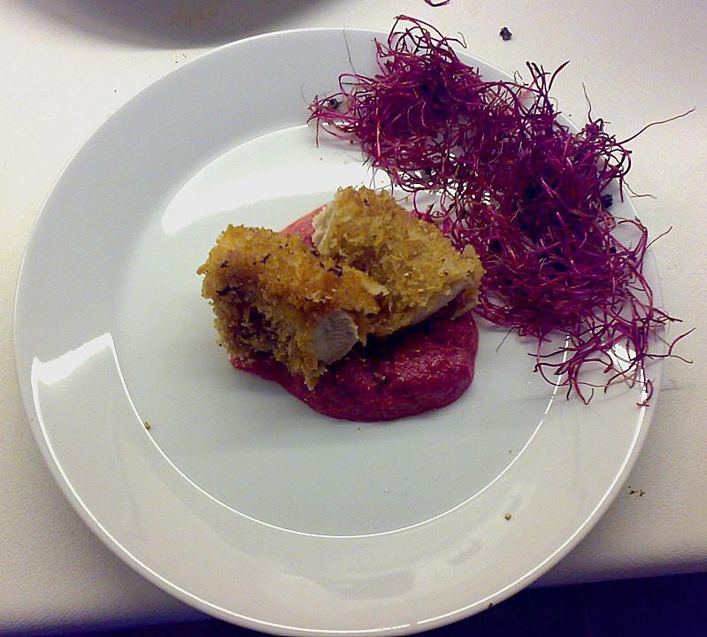knuspriges kaninchenfilet auf rote bete p ree und schwarzwurzel salat rezept mit bild. Black Bedroom Furniture Sets. Home Design Ideas