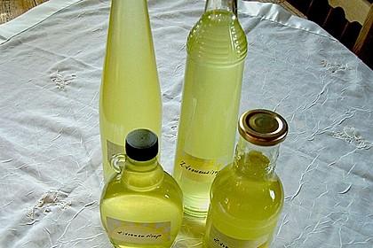 Chrissis Zitronensirup – Grundstoff für Zitronenlimonade 10