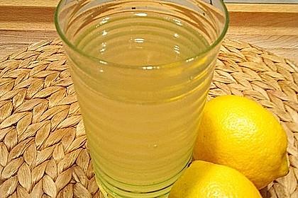 Chrissis Zitronensirup – Grundstoff für Zitronenlimonade 7