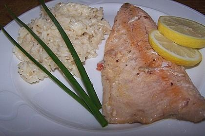 Auf der Haut gebratenes Saiblingsfilet mit Stangensellerie - Zartweizen - Risotto und Safran - Limetten - Sauce 1