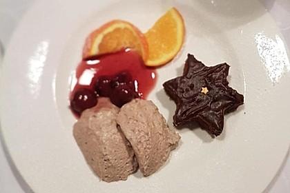 Lebkuchenmousse mit Glühweinsauce