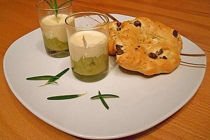 Zucchinikaviar mit Parmesancreme 18