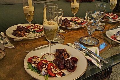 Zucchinikaviar mit Parmesancreme 10