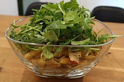Italienischer Nudelsalat mit Rucola und getrockneten Tomaten 38