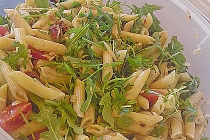Italienischer Nudelsalat mit Rucola und getrockneten Tomaten 48