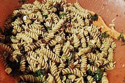 Italienischer Nudelsalat mit Rucola und getrockneten Tomaten 77