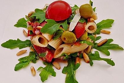 Italienischer Nudelsalat mit Rucola und getrockneten Tomaten 6