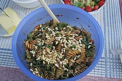 Italienischer Nudelsalat mit Rucola und getrockneten Tomaten 71