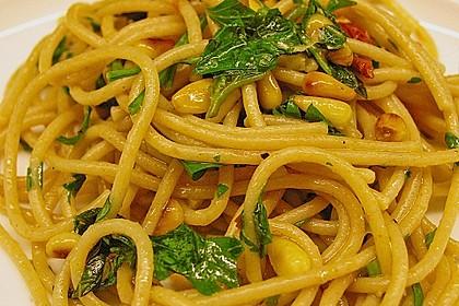 Italienischer Nudelsalat mit Rucola und getrockneten Tomaten 46