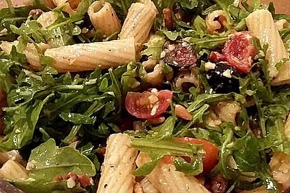 Italienischer Nudelsalat mit Rucola und getrockneten Tomaten 20