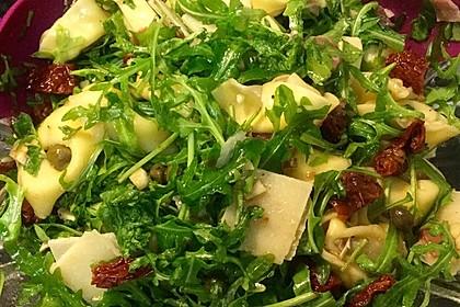 Italienischer Nudelsalat mit Rucola und getrockneten Tomaten 44