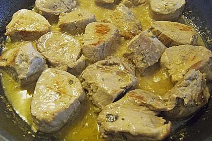 Schweineragout in Curry - Senf - Sauce 9