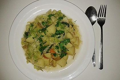 Wilde Wirsing-Pfanne mit Kartoffeln