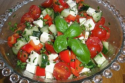 Tomatensalat mit Honigmelone und Schafskäse 18
