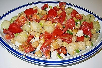 Tomatensalat mit Honigmelone und Schafskäse 22