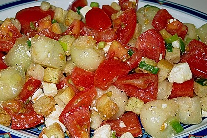 Tomatensalat mit Honigmelone und Schafskäse 13