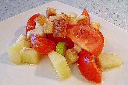 Tomatensalat mit Honigmelone und Schafskäse 11