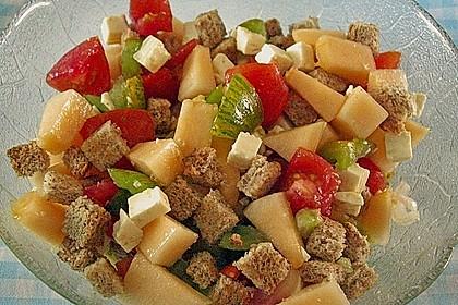 Tomatensalat mit Honigmelone und Schafskäse 4