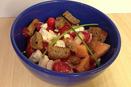 Tomatensalat mit Honigmelone und Schafskäse 12