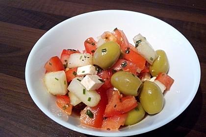 Tomatensalat mit Honigmelone und Schafskäse 16
