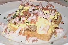 Toast  mit Schweinefilet und Sauce Hollandaise