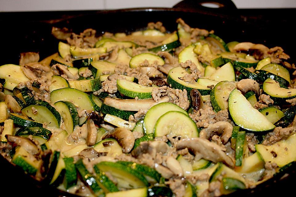 zucchini hackfleisch pfanne rezept