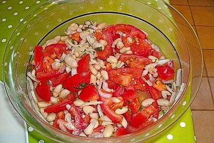Salat mit weißen Bohnen und Tomaten 8