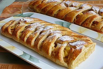 Apfelkuchen aus Hefemürbteig