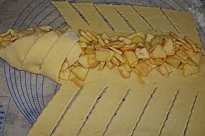 Apfelkuchen aus Hefemürbteig 6