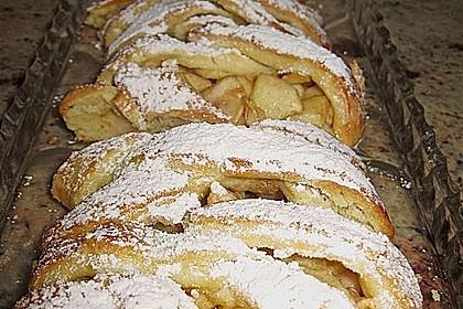 Apfelkuchen aus Hefemürbteig 96