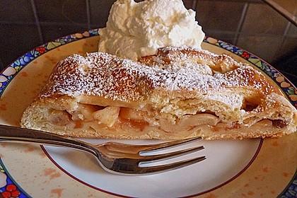 Apfelkuchen aus Hefemürbteig 22