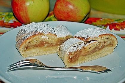 Apfelkuchen aus Hefemürbteig 24