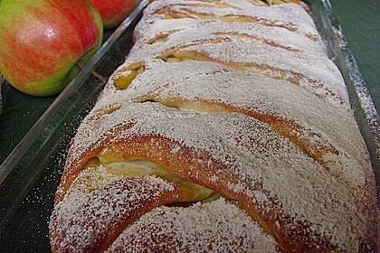 Apfelkuchen aus Hefemürbteig 64